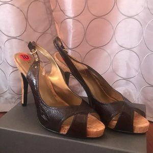 NEW guess sandals / heels